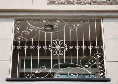 Решетка на окно прямая с ковкой 25.02.19