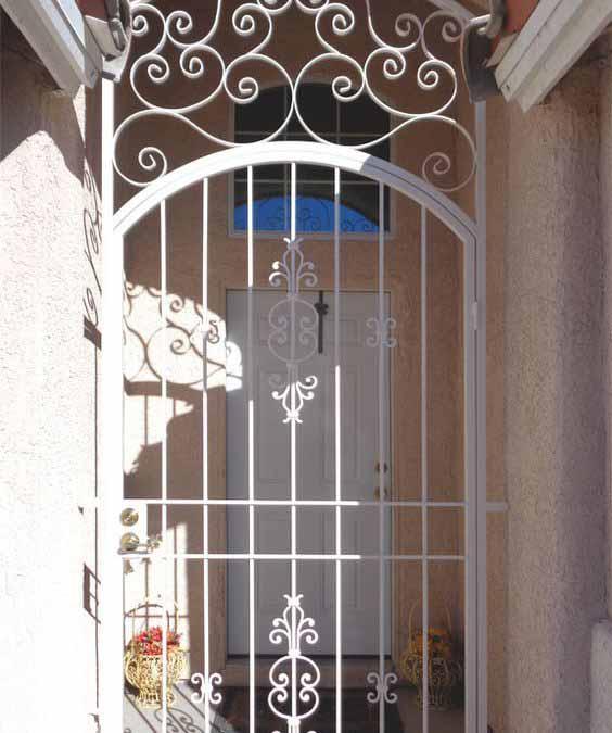Белые решетчатые двери от 05.04.19