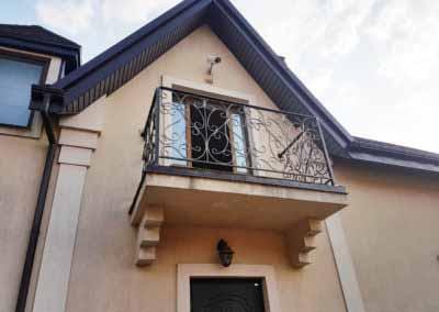 Балконы и перила для частного дома 1