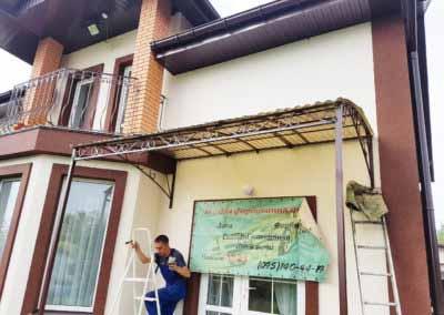 Козырек-навес над входом в загородный дом от 04.08.19-1