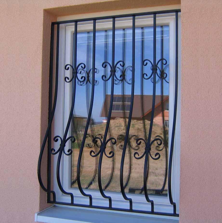 Выпуклая решетка для дачного окна 21.10.19