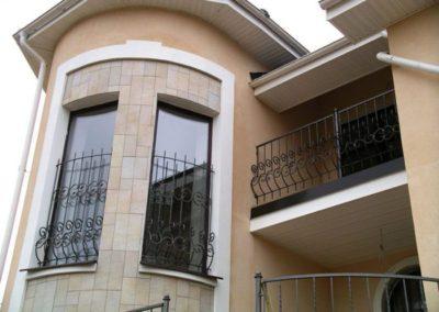 Решетка для загородного дома на высокое окно от 02.12.19 (артикул 021219)