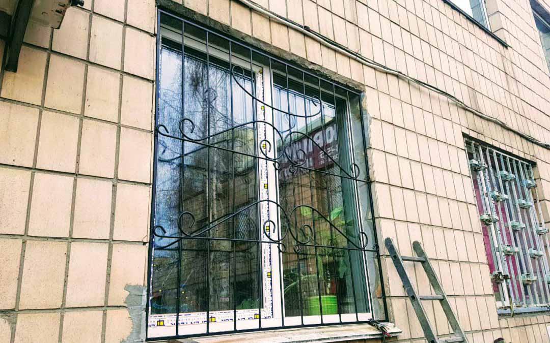 Решетки на окна эконом класса