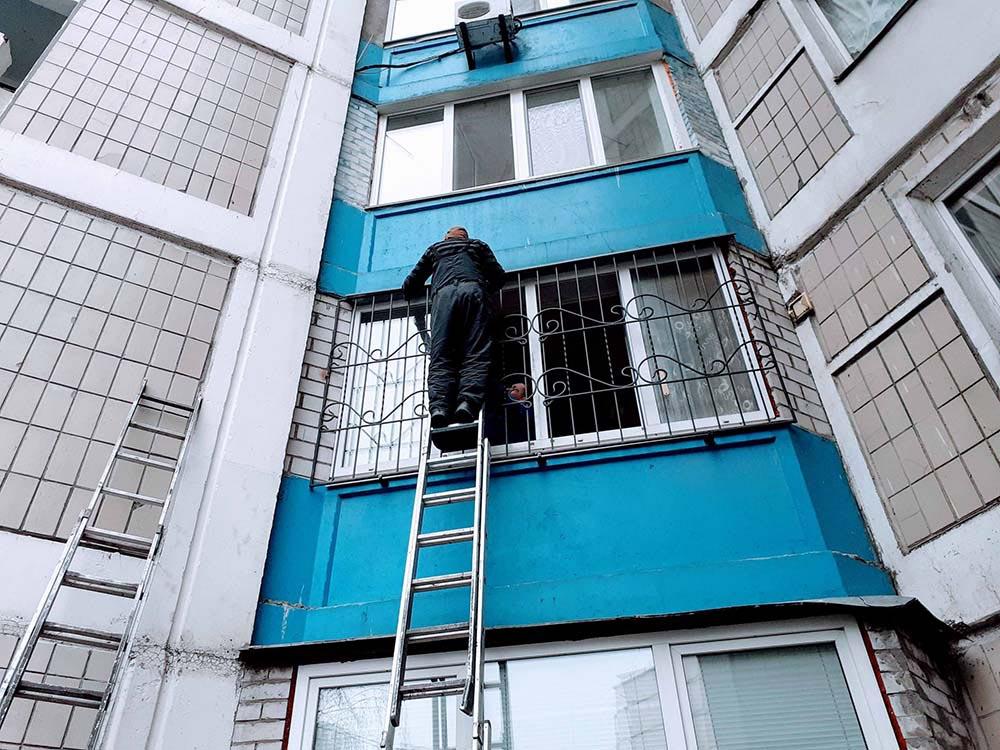 Решетка на окно для второго этажа