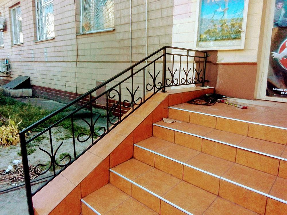 Поручни для лестницы в магазин - 2