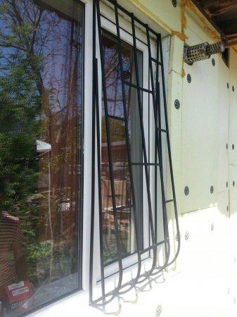 Решетка луковичная на половину окна