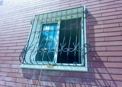 Выпуклая решетка на окно от 03.09.20 (артикул 030920)