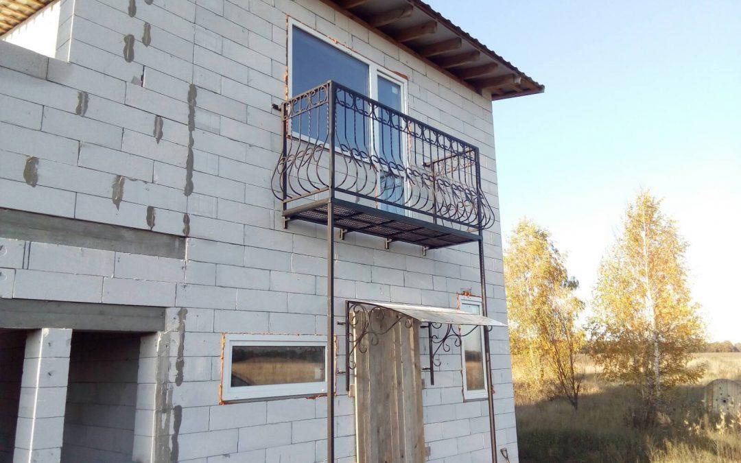 Выступающий балкон для дома от 06.11.20 (артикул 061120)