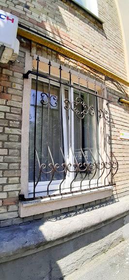 Кованые решетки для первого этажа от 17.02.21 (артикул 170221)
