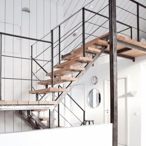 Металлический каркас для лестницы в стиле Loft от 22.03.21 (артикул 220321)