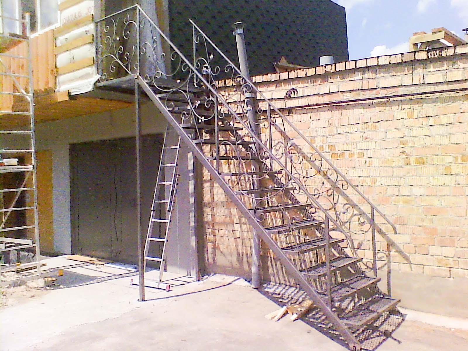 Изготовление металлической лестницы для дома