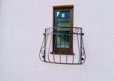 Французский балкончик для маленького окошка от 20.04.21 (артикул 200421)